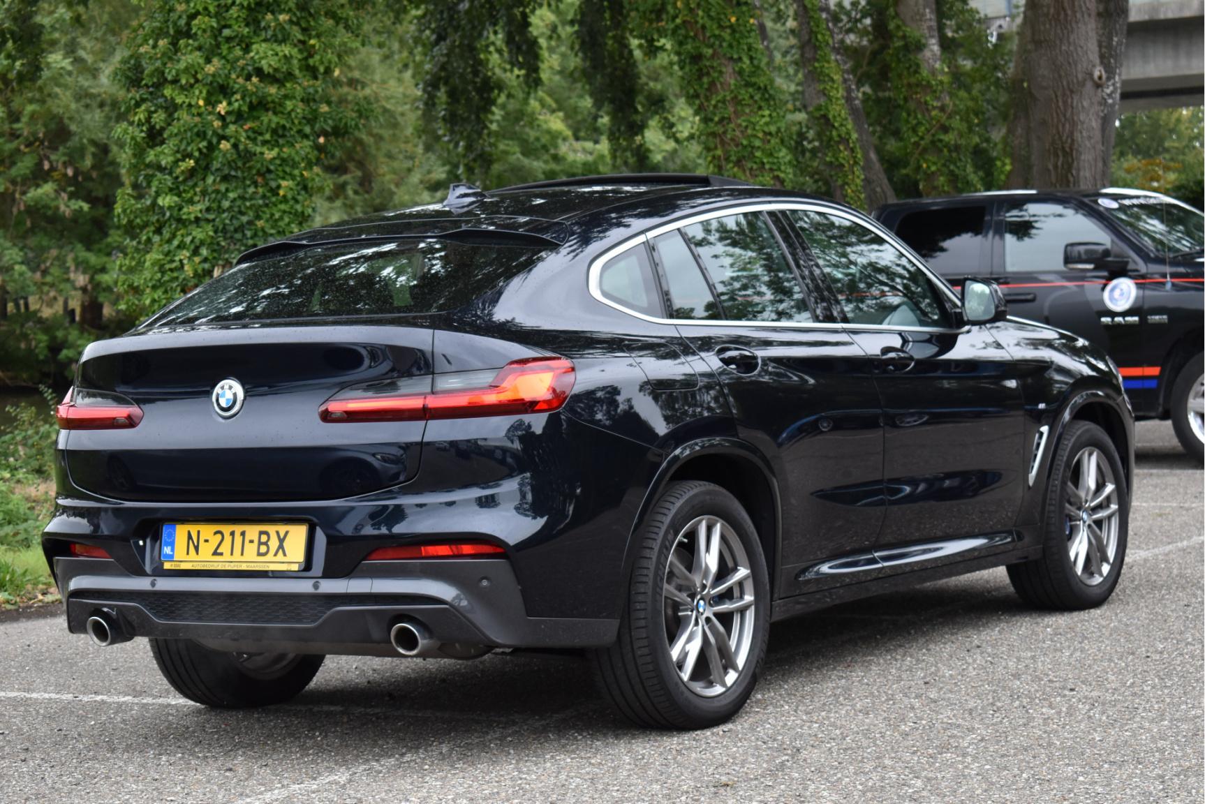 BMW-X4-4
