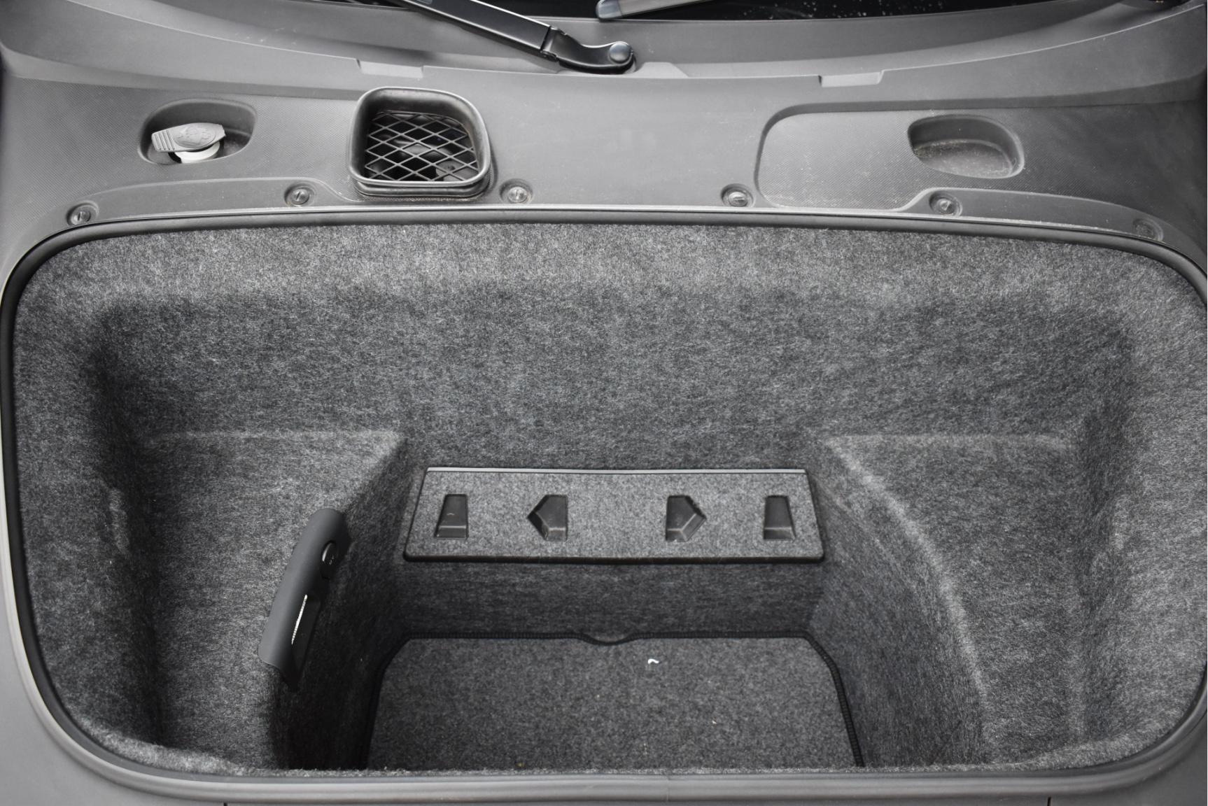 Audi-R8-37