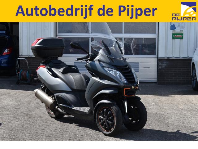 Peugeot-Metropolis RS AUTORIJBEWIJS VOLDOENDE, STABALITEITSCONTROL, LED VERLICHTING, LM-VELGEN, TOPKOFFER