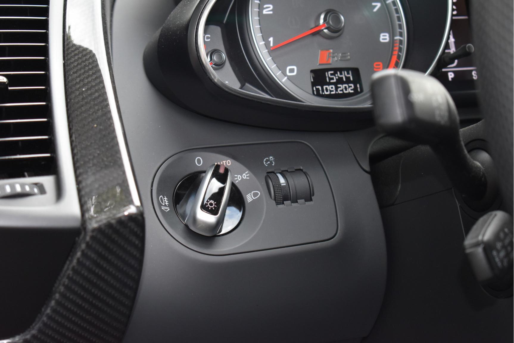Audi-R8-49