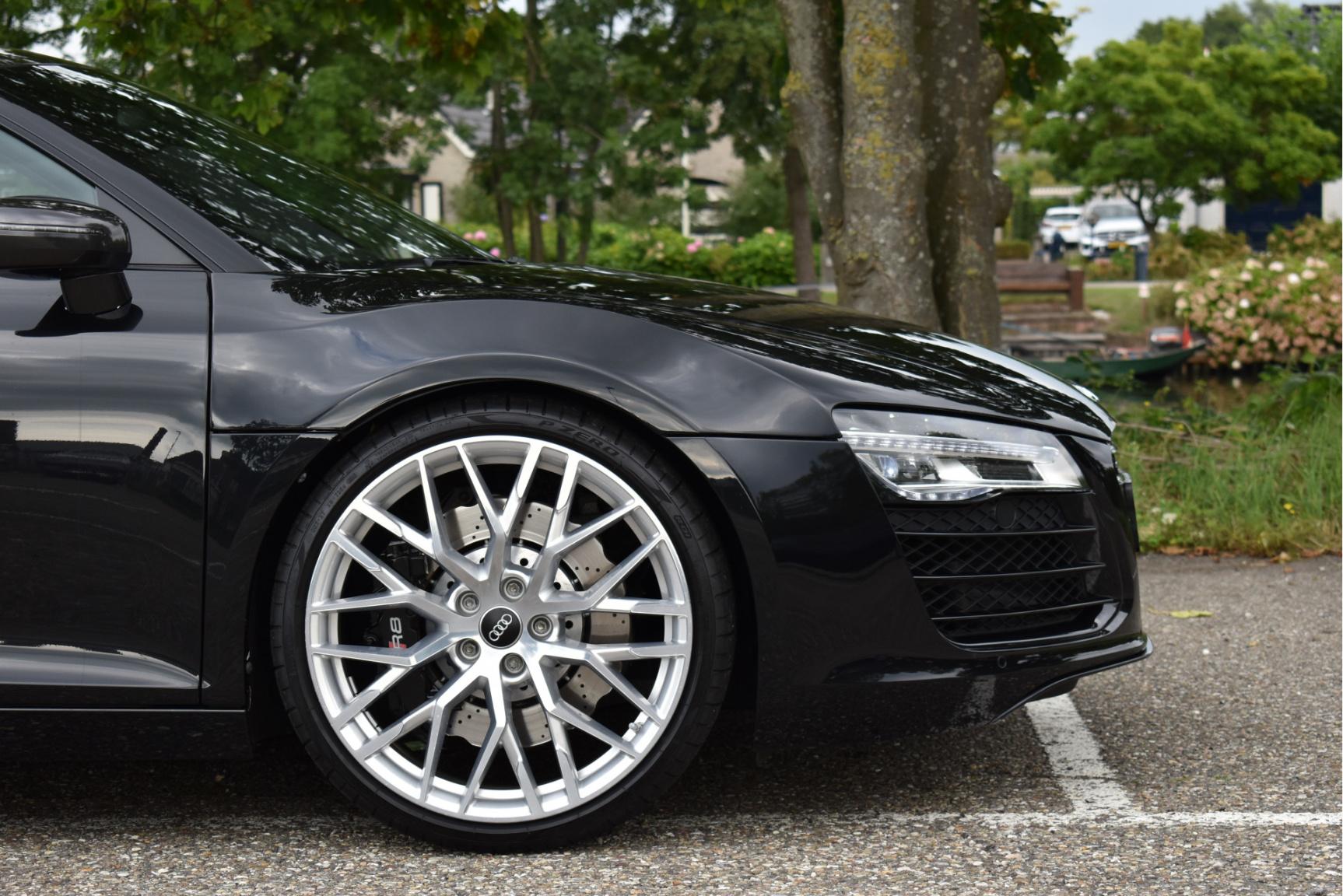 Audi-R8-29